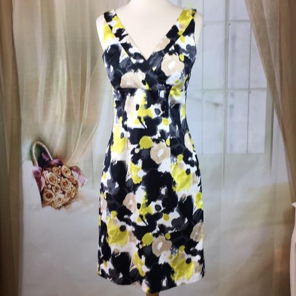 H&M Dresses & Skirts - H&M Abstract Sleeveless Career Dress
